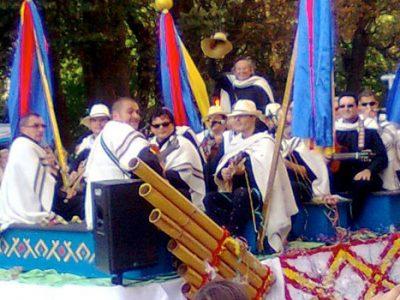 Oviedo / Desfile de América