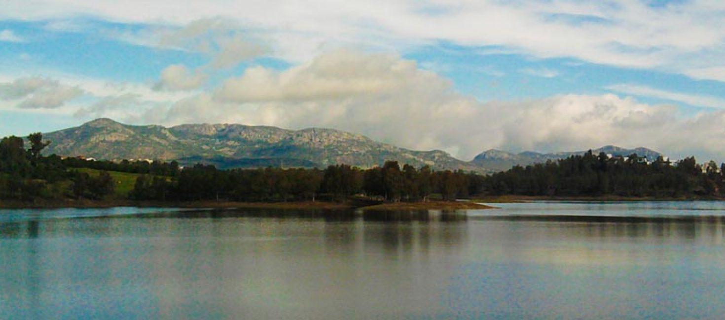 Embalse de Orellana y Sierra de Pela
