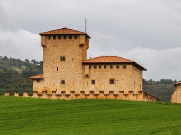 La ´Carretera del Señorío´: Ruta de los castillos y torres de Álava