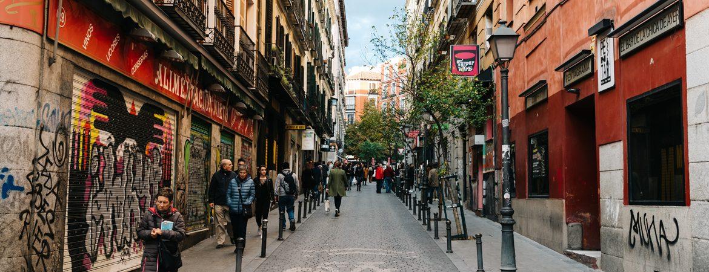 Malasaña, en Madrid, parte de la ruta por la España de Almodóvar