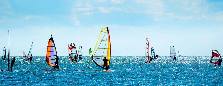 Windsurf Turismo activo en Barcelona España Fascinante