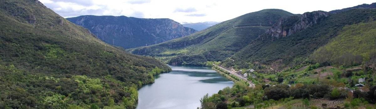 Parque natural de Enciña da Lastra España Fascinante