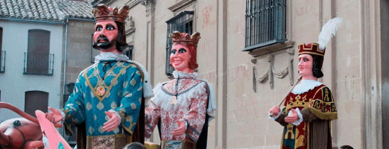 Gigantes-y-Cabezudos-Andalucia