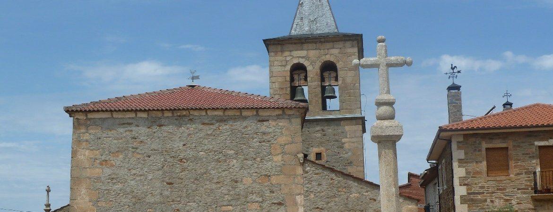 Panorámica de iglesia de San Pelayo en Trabazos