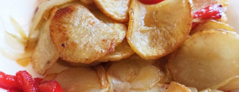 Plato de patatas a lo pobre