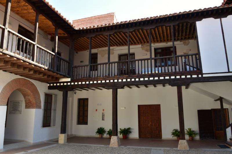 Patio del hospital de Antezana en Alcalá de Henares