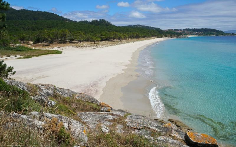Las playas de la Costa da Vela son vírgenes y tranquilas