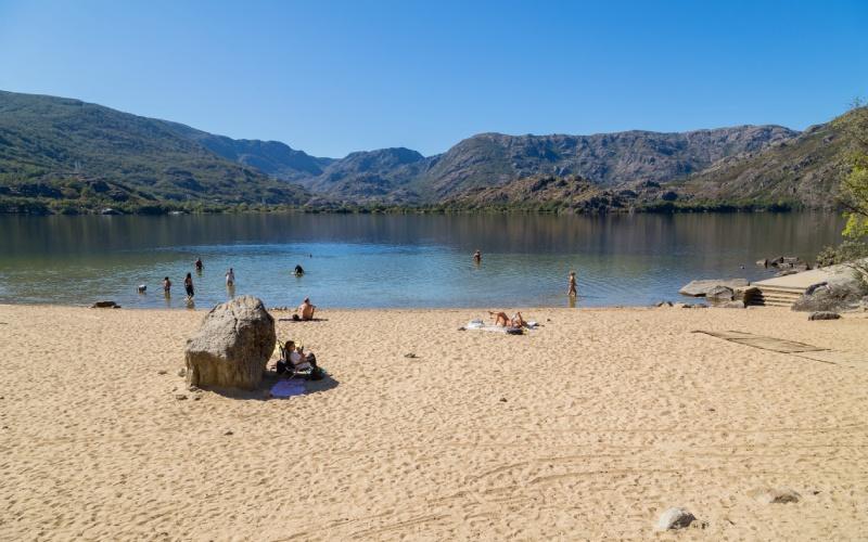 Las playas del Lago de Sanabria respiran verano