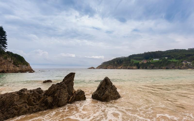 Playa en la costa lucense Xilloi
