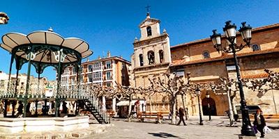 Panorámica de la Plaza Mayor de Briviesca con Ayuntamiento