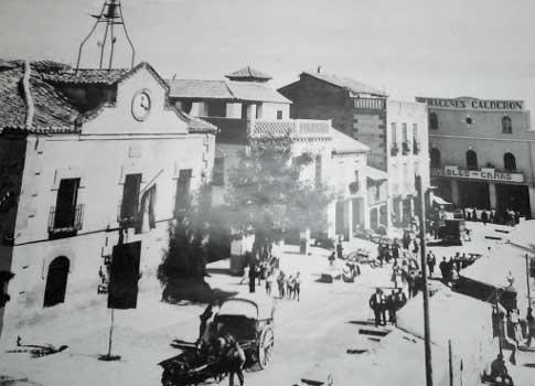 La Plaza de España de Torrijos en 1950