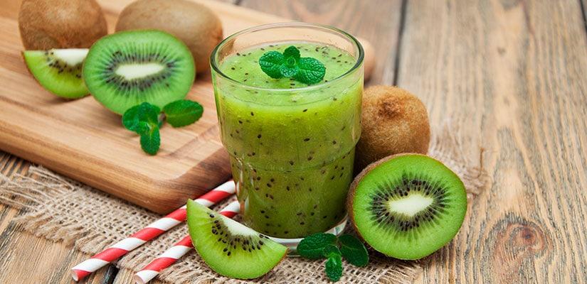 alimentos temporada kiwi abril