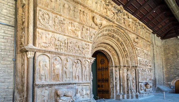 portico monasterio ripoll la biblia girona