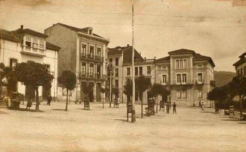 Vista antigua de la Plaza Mayor de Pravia