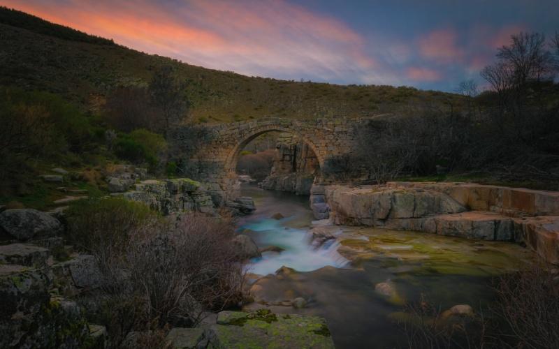 Un puente medieval espera en este precioso rincón de Ávila