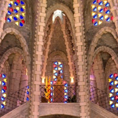 Santuari de la Mare de Deu de Montserrat, la fe escondida entre viñedos y montañas