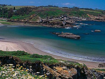 Qué ver en La Caridad, una de las playas más hermosas del Camino de Santiago del norte