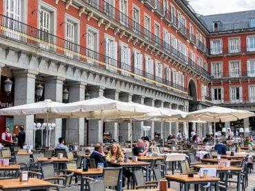 Madrid sube el aforo de bares y restaurantes al 75% y terrazas al 100% entre otras medidas de flexibilización