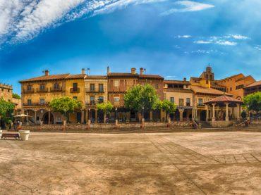 El Pueblo Español de Barcelona: cómo meter a toda España en un solo pueblo