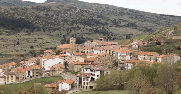 Valdelinares: un recorrido por el pueblo más alto de España