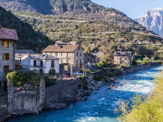 11 pueblos de montaña para descubrir este verano