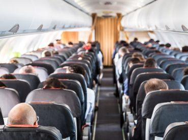 La Comisión Europea no obligará a las aerolíneas a dejar asientos libres entre pasajeros