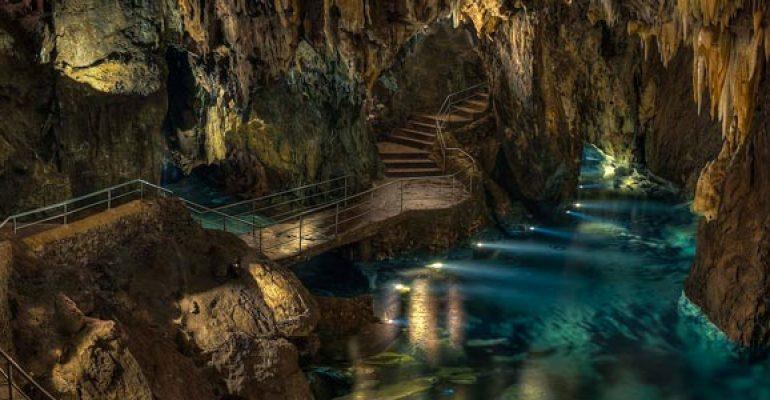 5 Cuevas en España que no te puedes perder