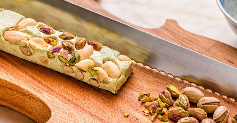 Receta de barritas de pistachos y frutas