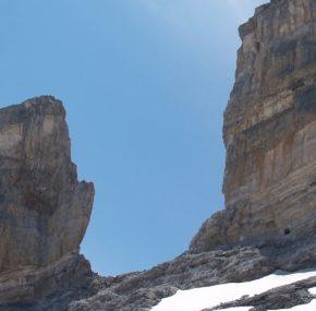 El día que un francés partió la montaña en dos   Leyendas de los Pirineos 4