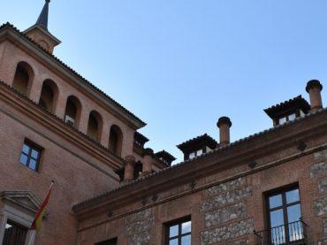 Casa de las Siete Chimeneas de Madrid: leyendas y fantasmas