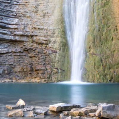 La Cascada de Orós Bajo, naturaleza mágica en el Valle del Tena