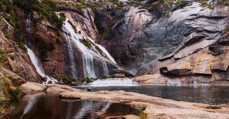Cáscada del Ézaro: el único río en Europa que desemboca en cascada
