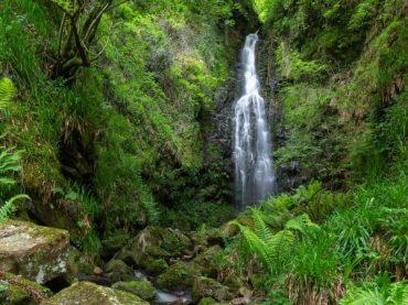La cascada de Belaustegi, un rincón mágico en Euskadi