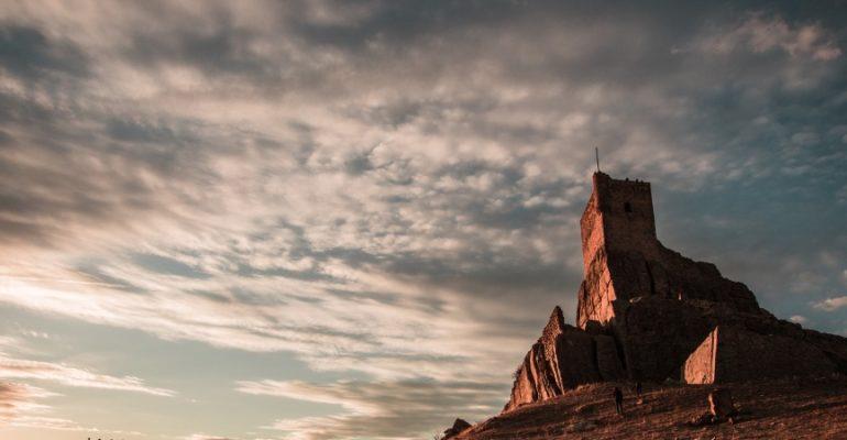 Traición y cisma en el castillo de Atienza | A la sombra de un castillo 1