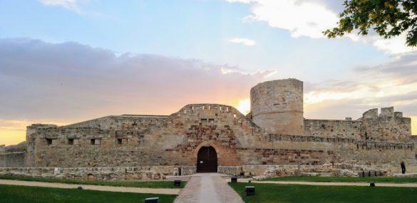 La Señora de Zamora y el cerco a su castillo | A la sombra de un castillo 4