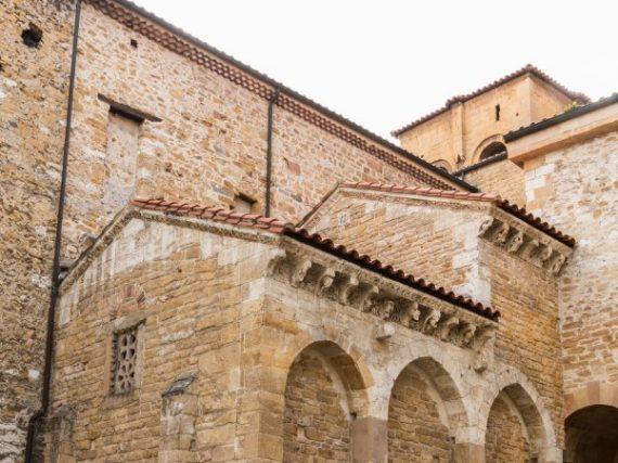 Cámara Santa de Oviedo: tesoros, leyendas y robos