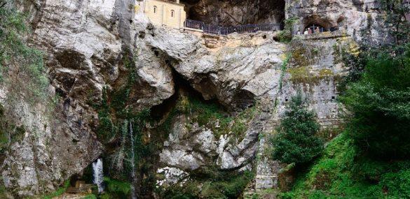 El poder de la Fuente del Matrimonio de Covadonga