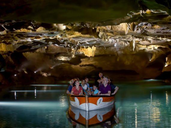 Cueva de Sant Josep, el río subterráneo navegable más largo de Europa