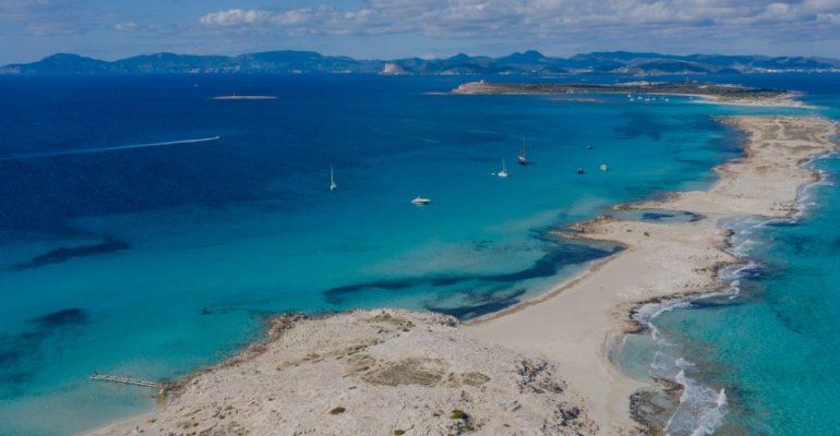 Espalmador, el desconocido paraíso de aguas cristalinas del Mediterráneo