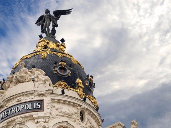 Las estatuas que vigilan Madrid desde las alturas