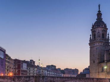 9 asombrosos campanarios vascos que merece la pena visitar