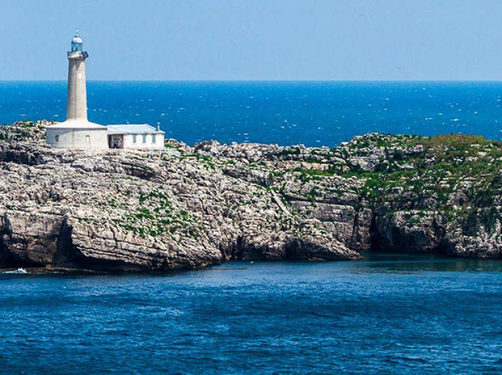 6 islas de España que no están en Canarias ni en Baleares