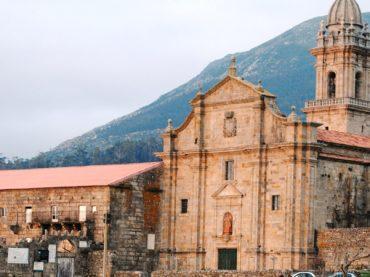 Santa María de Oia, el monasterio que también ha sido prisión y fortaleza
