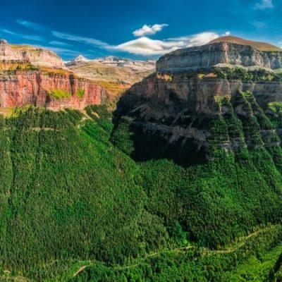 Monte Perdido, tan grande como el egoísmo de un pastor   Leyendas de los Pirineos 7