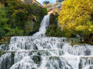 Orbaneja del Castillo, el pueblo dividido por una cascada