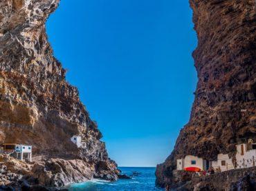 Porís de Candelaria, un tesoro blanco oculto entre las rocas