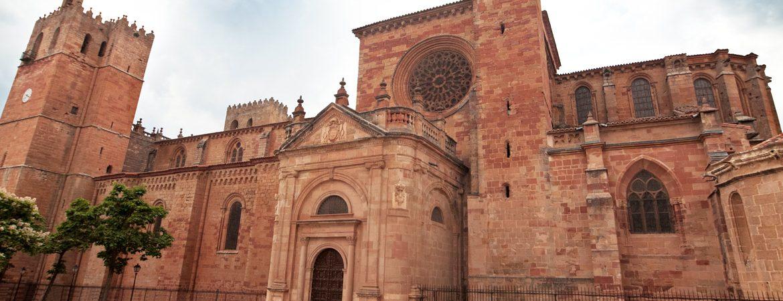 pueblos con catedrales