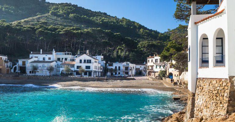 11 Pueblos de costa en España: mucho más que playa