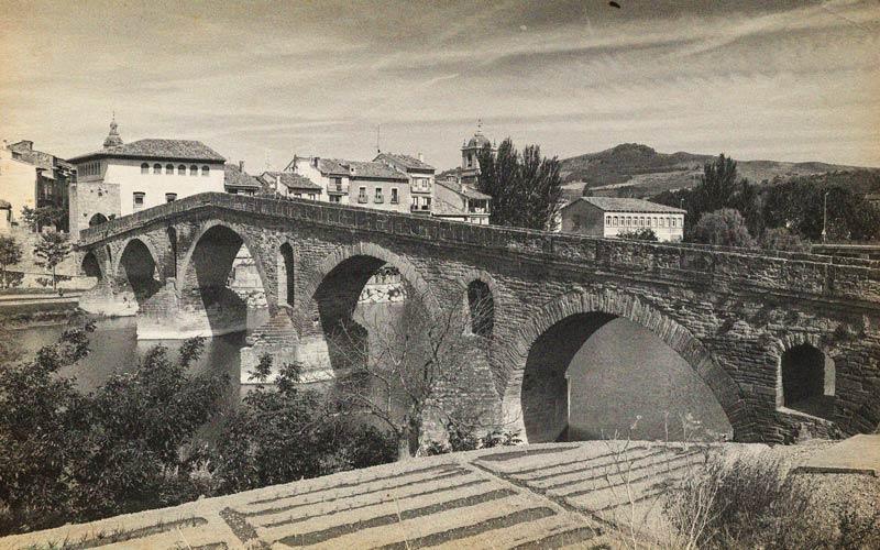 foto antigua puente la reina