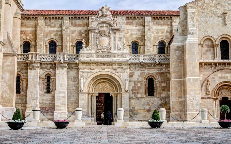 Puerta del Cordero de San Isidoro